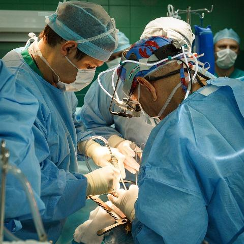 Кубанские вертебрологи прооперировали 2-х мужчин сболезнью Бехтерева