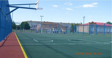 Фото 1. Многофункциональная спортивно-игровая площадка в ст. Новодеревянковской Каневского района