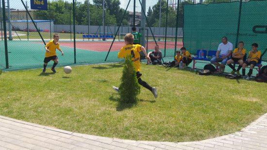 Соревнования проходят в несколько этапов. До 8 июня игры пройдут на спортплощадках образовательных учреждений.